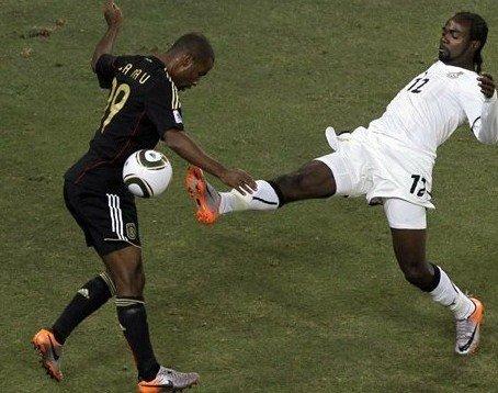 加纳舞者丢掉点球红帽 非洲黑星黑来绝世好运