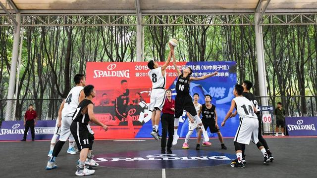 青春对决!斯伯丁武汉市初中男人篮球联赛圆满收官