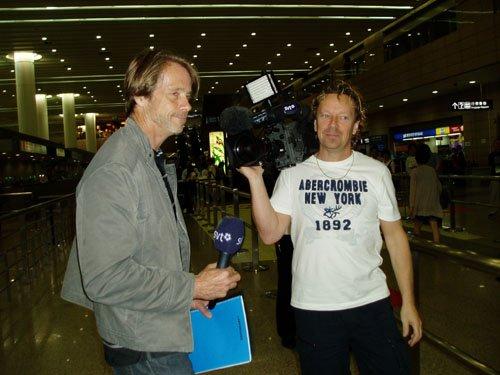 瑞典电视台跟踪博尔特 好奇他与刘翔谁魅力大