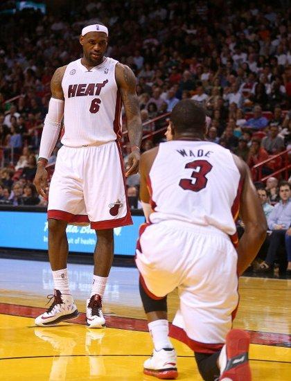 韦德劝詹姆斯参加扣篮赛和三分赛 詹皇均拒绝