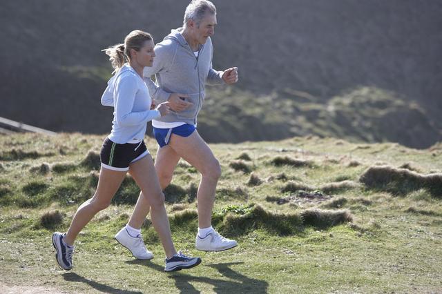 老人身体素质有限 晨跑要注意六个事项