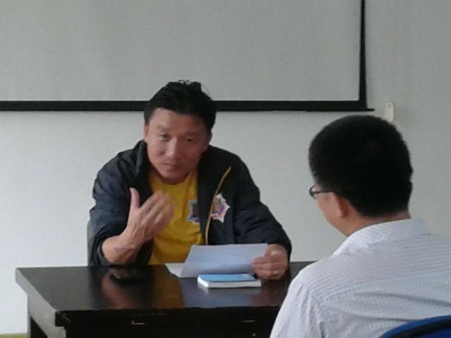 成耀东与闵行区校园足球联盟教师零距离互动