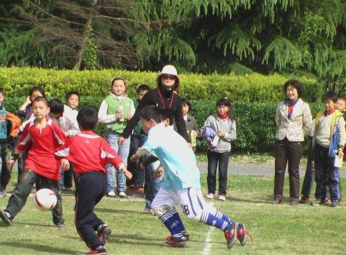 上海校园联赛参赛率低 五大举措推行五年计划