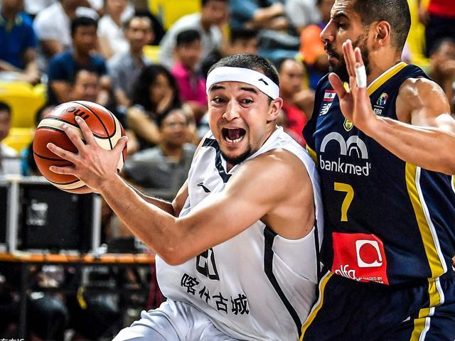 前瞻:新疆决赛大战西亚豪门 小组赛惨负30分