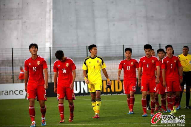 土伦杯-国奥1-4葡萄牙首败遭淘汰 李源一破门