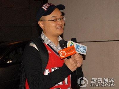 腾讯网友:我与斯特恩握手了 接受专访很激动
