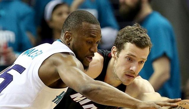 Playoff NBA: Hornets battito Heat 89-85, Kemba Walker 34 punti
