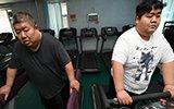 """""""700斤父子""""运动减肥"""