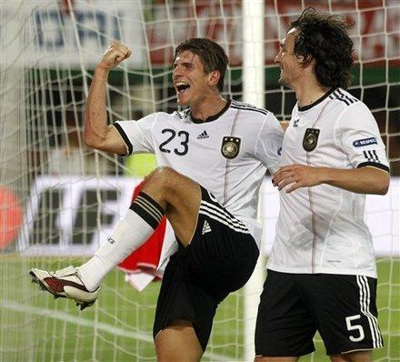 欧预赛-德国2-1获六连胜 戈麦斯梅开二度绝杀