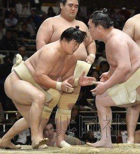 中国籍相扑再现日本国技馆 恢复训练加强体能