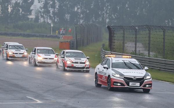 POLO杯首站第一回合顺利完成 各车队争夺激烈