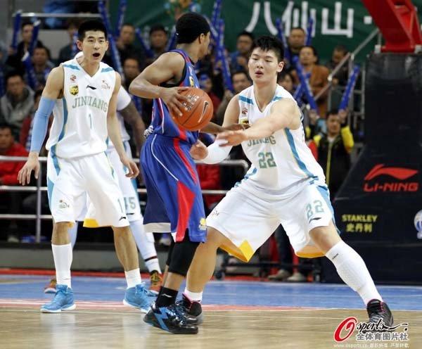 王哲林爆发砍39+14生涯新高 福建1分险胜天津
