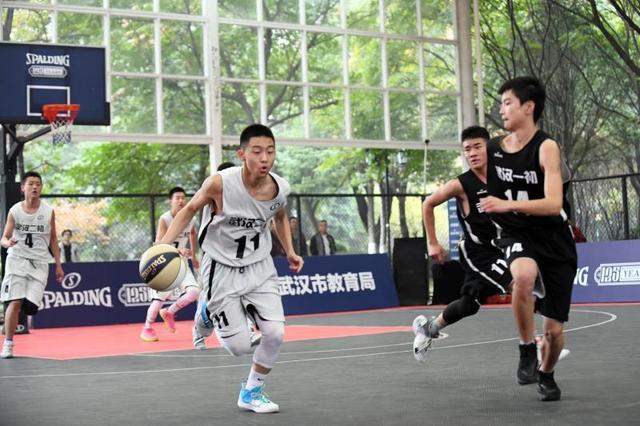 青春对决!斯伯丁武汉市初中男子篮球联赛圆满收官