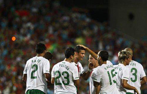 C罗招牌进球破半年球荒 他越发像葡萄牙领袖