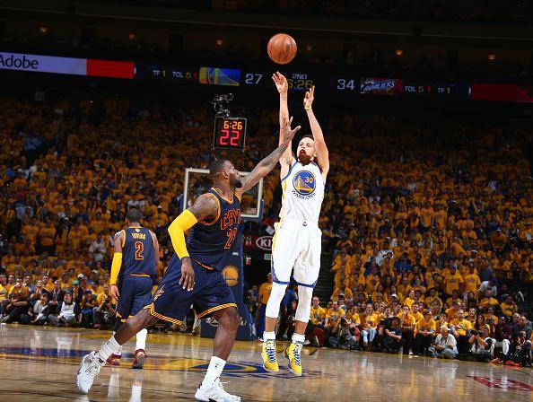Stephen Curry:理解詹皇將我當標靶 勇士該讓我多持球