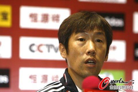 高洪波:青少足球才是根基 中国足球路很艰难