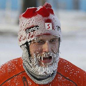 战斗民族玩圣诞半马 眉毛睫毛冻成冰