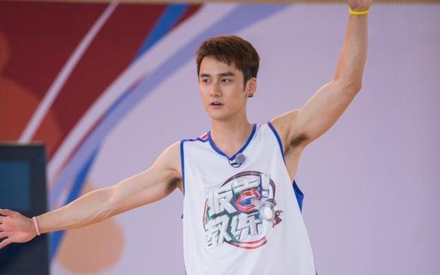 明星中的篮球高手:萧敬腾得分狂 一人能暴扣