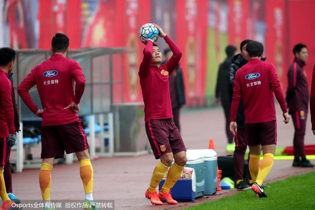 黄博文:小腿伤病影响不大 球队还没练任意球
