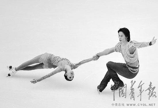 佟健:突然被推到前台不适应 不是很想做老大