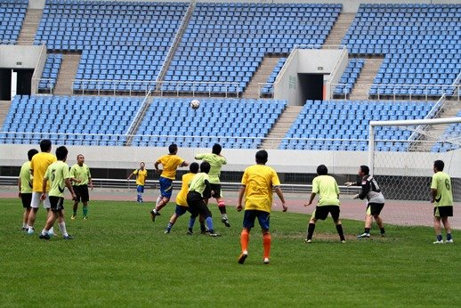 2013盛超业余足球联赛开幕 主打草根体育品牌