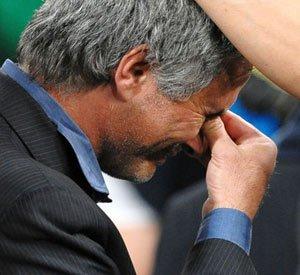 穆里尼奥泪别国际米兰 昔日狂人也有动情一面