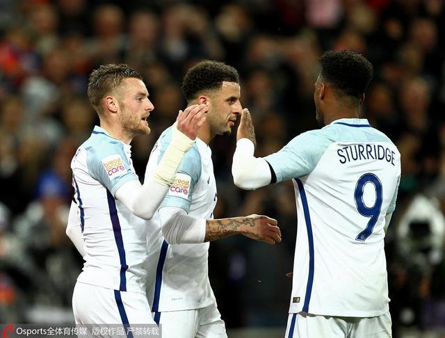 热身赛-英格兰1-2遭荷兰逆转 瓦尔迪连场破门