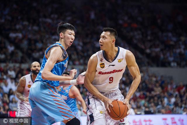 媒体:有NBA球队有意阿联 他正值壮年还未老