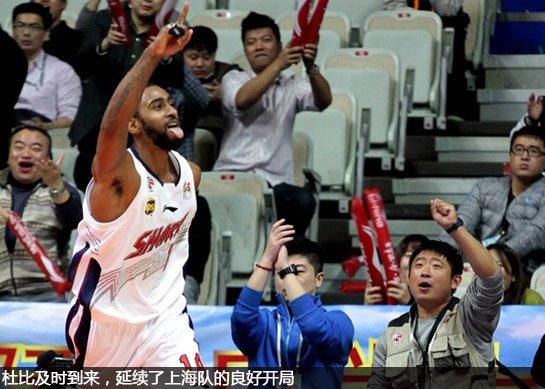 上海男篮临时找来了杜比