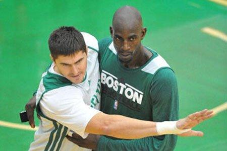 大西洋赛区:绿军王者依旧 新贵篮网搅局