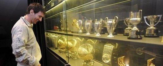 梅西巴萨同时加冕五冠王? 传世佳话只差一战