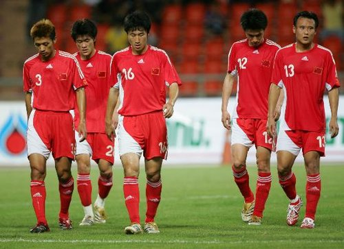 连续两届世界杯都是看客 中国足球需奋发图强