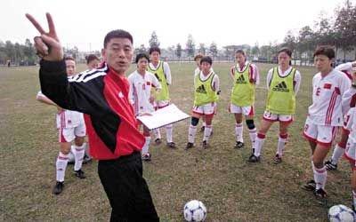 马良行:学习日本培养机制 鼓励女孩子踢球