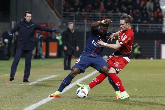 法甲-巴黎3-1第戎升至次席 卡瓦尼联赛第22球