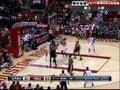 视频:爵士vs火箭 帕特森前场摘板跃起补篮