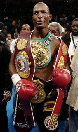 最老拳王出山打卫冕赛 对手年龄相差19岁