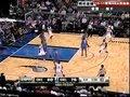 视频:雷霆vs魔术 霍华德底线靠打反手上篮