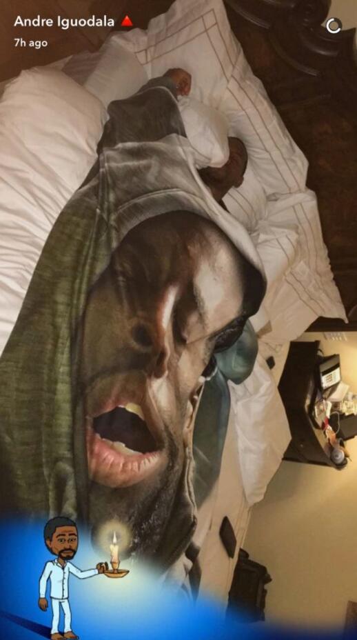 囧基送格林睡觉形象毯子 追梦扬言要狠狠报复