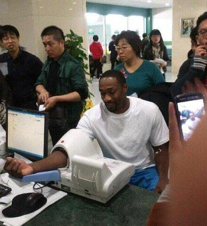 阿里纳斯已完成体检 结果出炉将正式加盟上海
