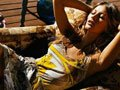 高清:阿根廷街头美女上演火辣钢管舞