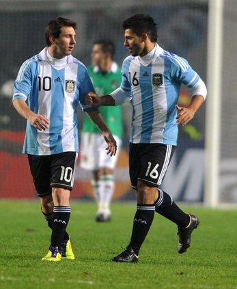美洲杯揭幕战-阿奎罗替补救主 阿根廷1-1险平