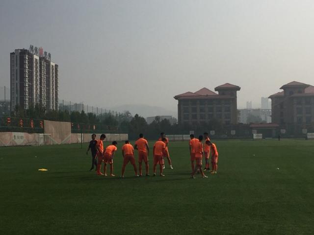 预备队-鲁能0-2负上港 张弛李微首发成源缺席