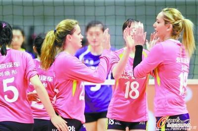 北京女排外援罗宾逊攻防俱佳 张洛满意两连胜
