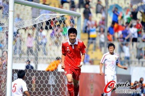 国足7-2逆转老挝 杨旭帽子戏法蒿俊闵陈涛2球