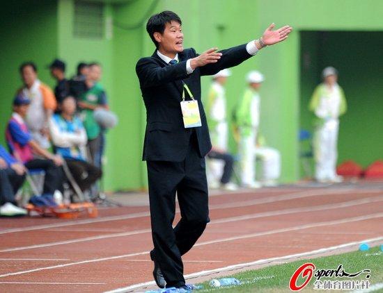 李霄鹏:队员能力胜我当年 90后女足拥有未来