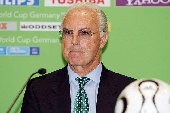 贝肯鲍尔宣布退出国际足联 一代传奇就此隐退