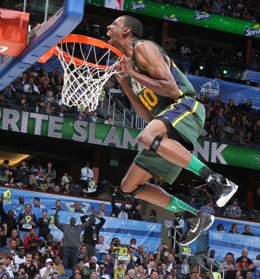 正在视频直播NBA全明星扣篮三分技巧赛