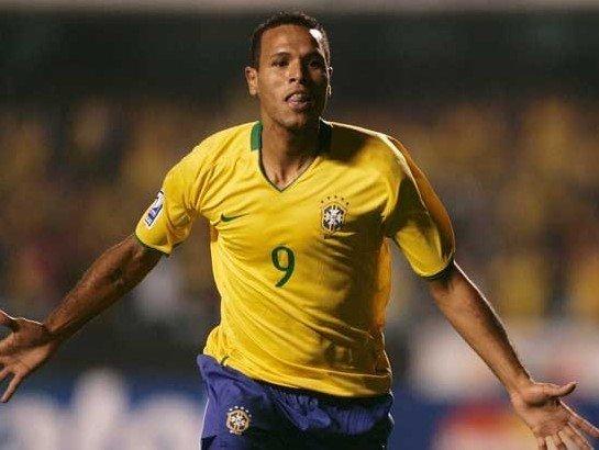 巴西一代神锋盼回归 43战29球曾比肩罗纳尔多