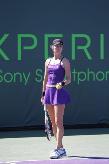 匹克再签网坛美女 启动网球服饰计划升温市场
