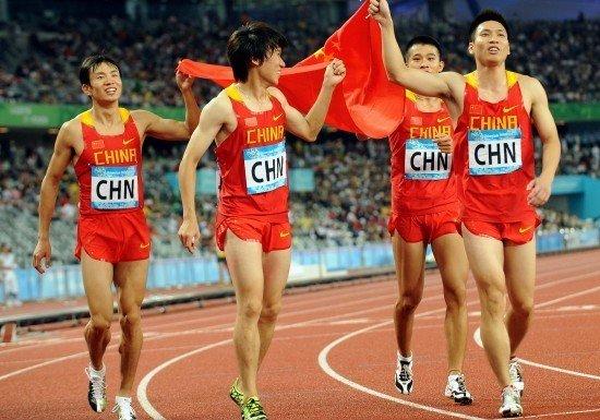 中国男子4×100米夺银:临时组队取得满意成绩